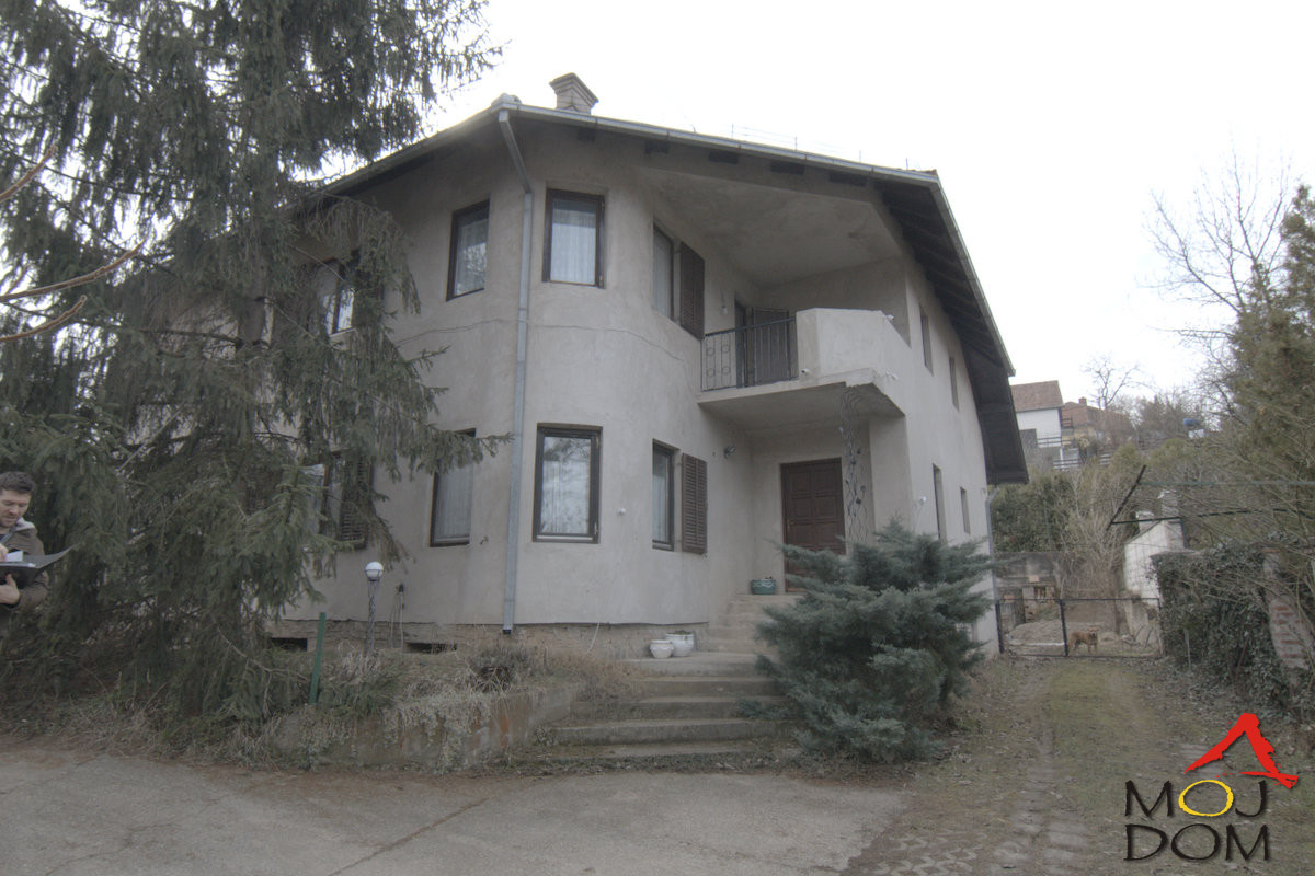 kuća SREMSKA KAMENICA